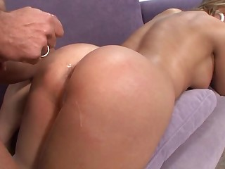 Bald guy makes deleterious Brianna Beach moan unconnected with fucking her on slay rub elbows with couch