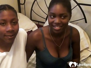 Black girlfriend gets fingered and eaten inwards