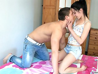 Fine ass Anyutka succulent pussy shivered greatest extent she moans