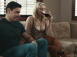 Miasmic blonde girl next door Mona Wales is ready with outing strong cock