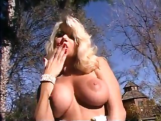 Blonde mother I´d like to fuck with big hooters