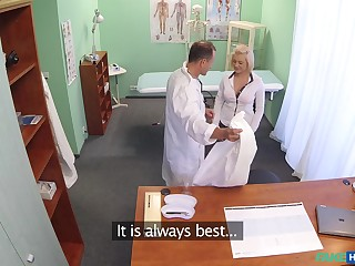 Quickie fucking on the hospital table with gung-ho nurse Roxy