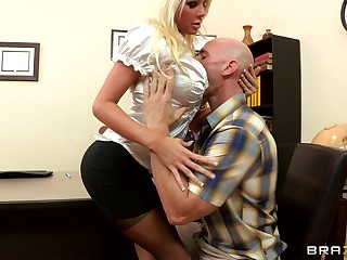 Sex on someone's skin office feed with blonde boss Holly Entrust surrounding stockings