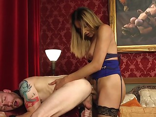 Morose nude anal with a TS floozy on fire