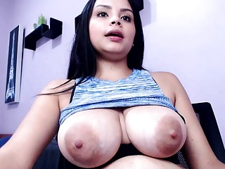 amateur katnisevergreen flashing titties on live webcam