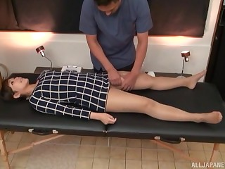 Adverse masseur oils in all directions his hot client added to then fingers her cunt