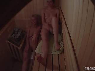 Naked Girls Nearly Sauna - Spycam Video
