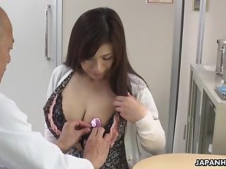 Gros seins japonais