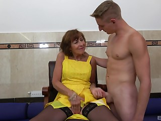 Amateur fucking between a handsome younger guy and mature Dana