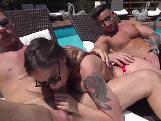 Alfresco fun with the big dick up scenes of amateur casting porn