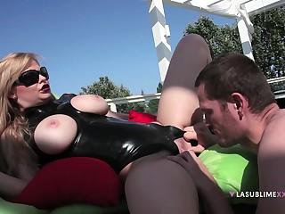 Balls deep ass fucking hard by a chubby dick for sexy mature Tarra White